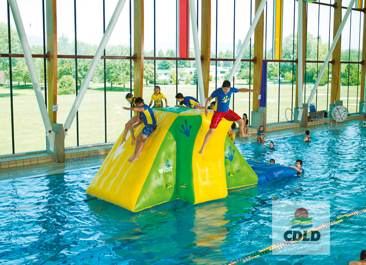 action tower gonflable piscine