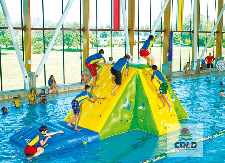 mur d escalade gonflable pour piscine