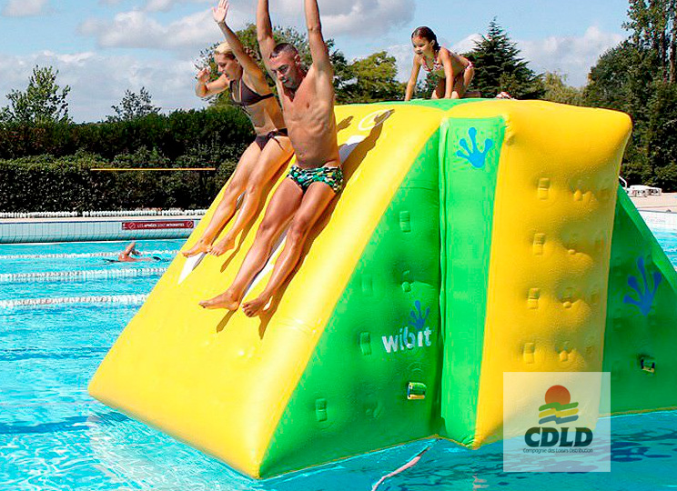 tour escalade gonflable aquatique