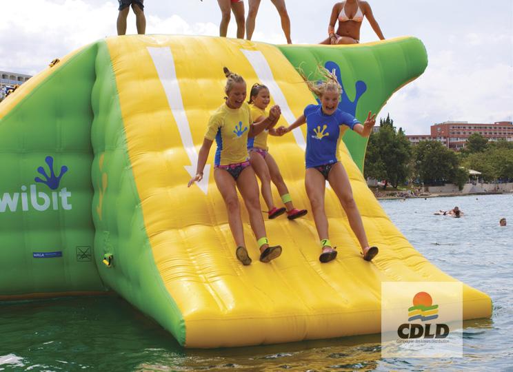 Tour multi activités aquatique gonflable XXL