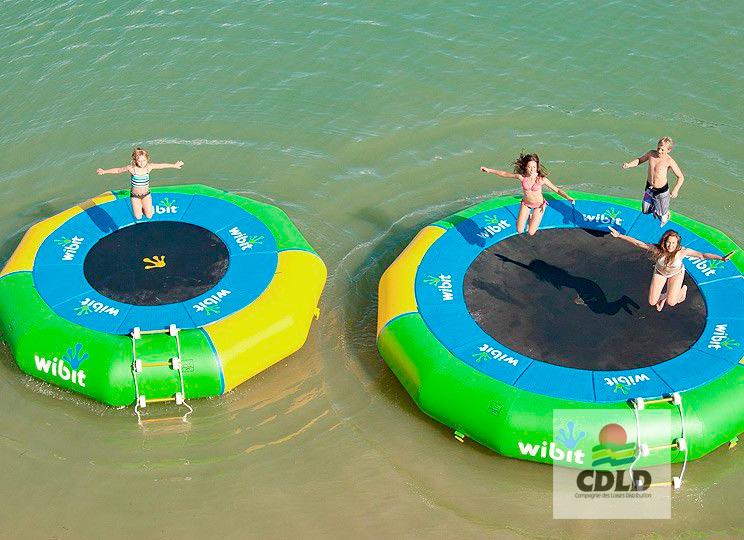 trampoline gonflable pour l'eau
