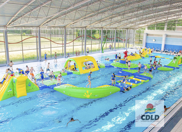 Circuit gonflable aquatique Aqualoop - Wibit France - Circuit gonflable aquatique aux parcours infinis.