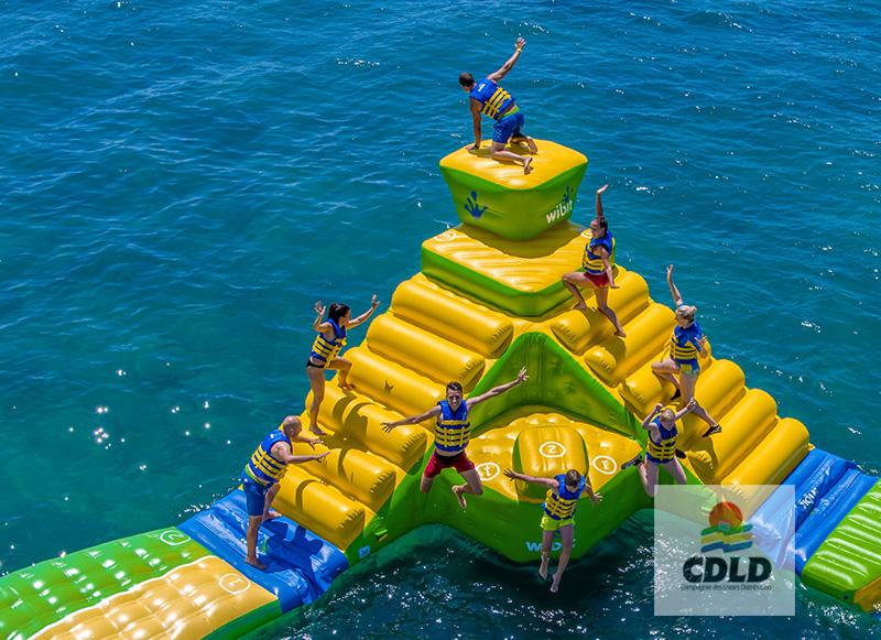 Le plongeoir géant à niveaux